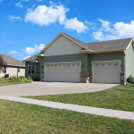 SOLD in the Arlington Ridge Neighborhood – 755 Berkshire Ln, North Liberty