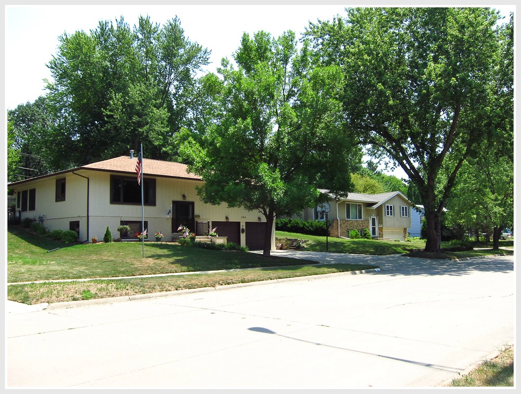 Homes in University Heights Iowa City
